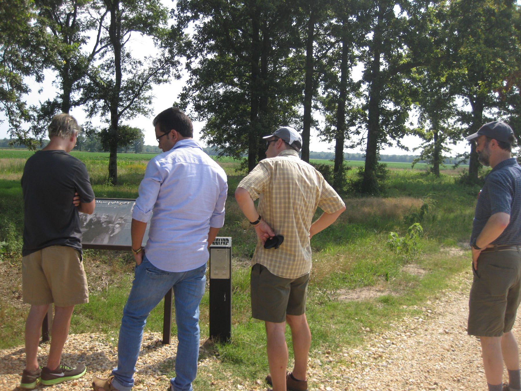 Rohwer visitors looking at interpretive signage